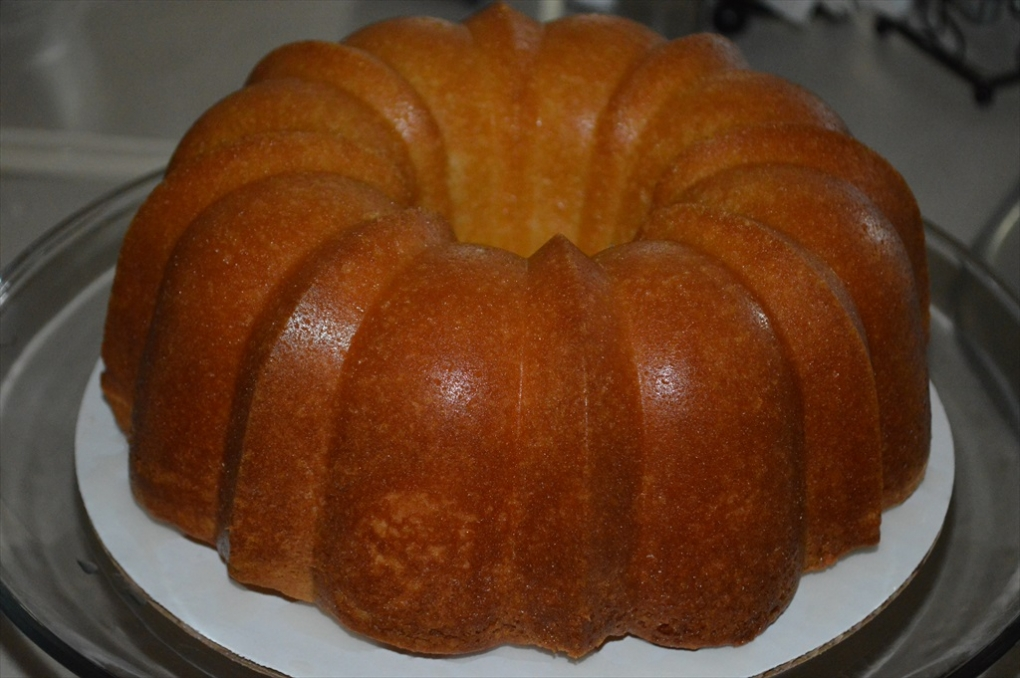 Arch Lemon Pound Cake – Old Tradition Bundt pan, but same great taste….